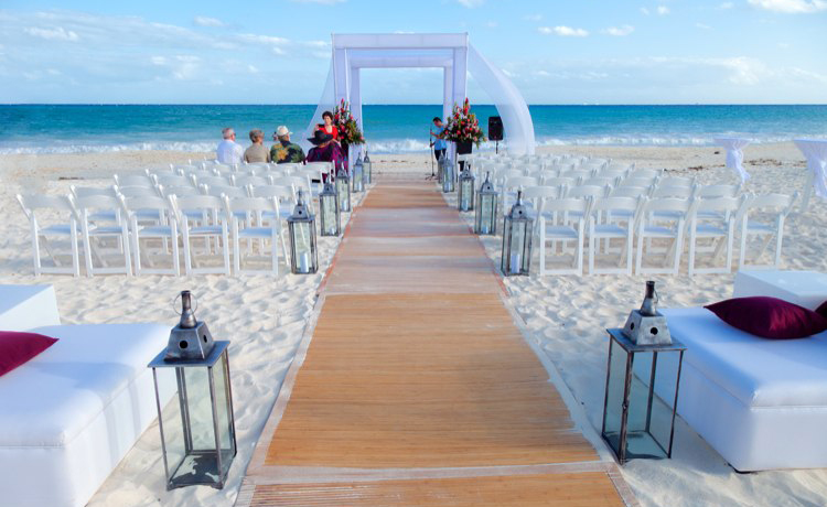 Te quieres casar en la playa sal n de eventos y for Decoracion bodas valencia
